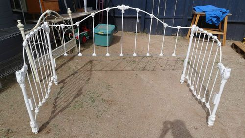 Vintage Metal Day Bed Frame Shabby Country Chippy White Day Bed Frame Frame Shabby Vintage Metal