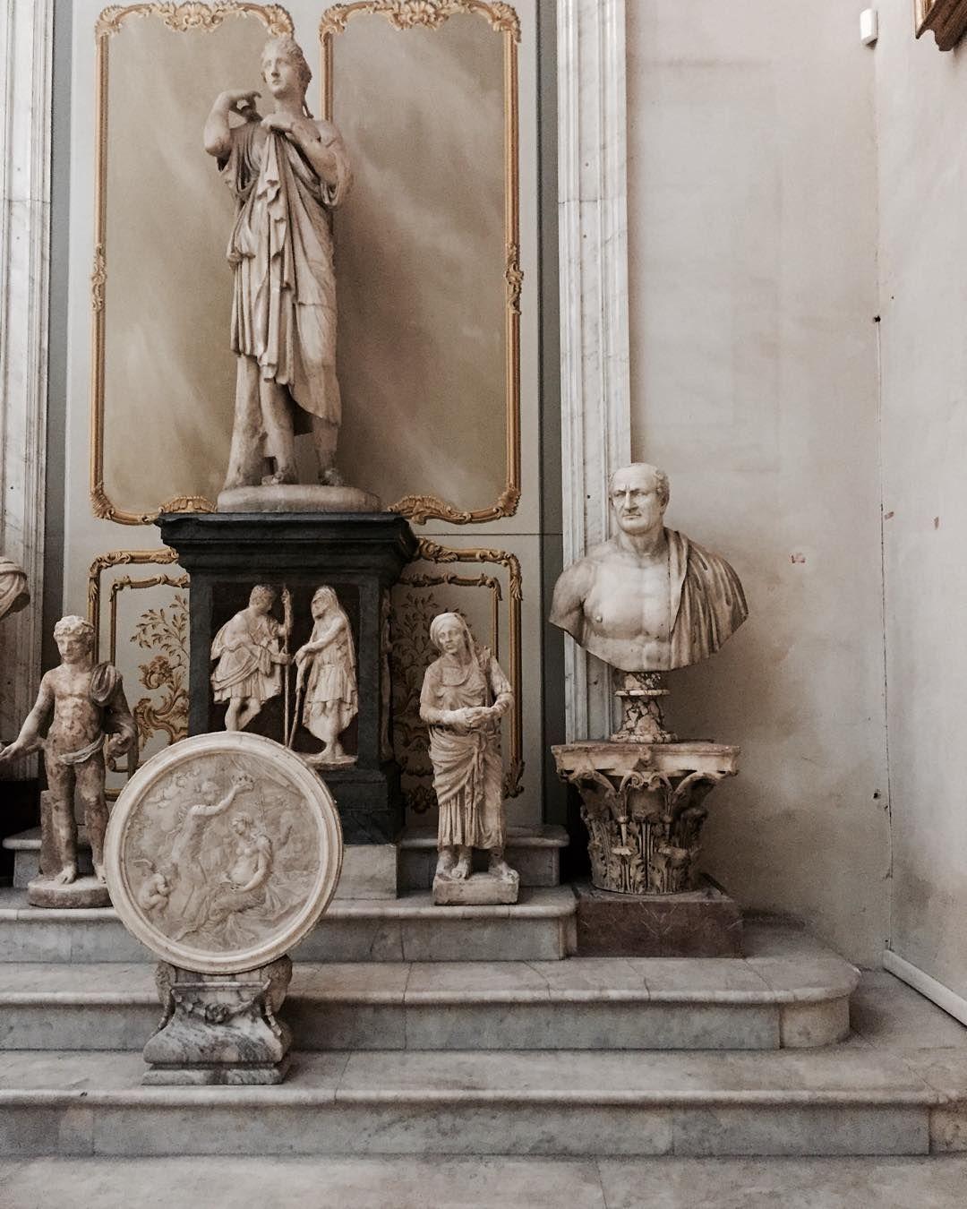 Architetti Famosi Antichi nella sala aldobrandini sono esposte, oltre a diverse e