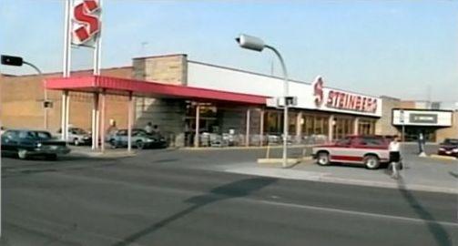 """Steinberg du centre commercial Boulevard de Montréal, vers 1985. Devenu """"Métro"""" en 1992."""