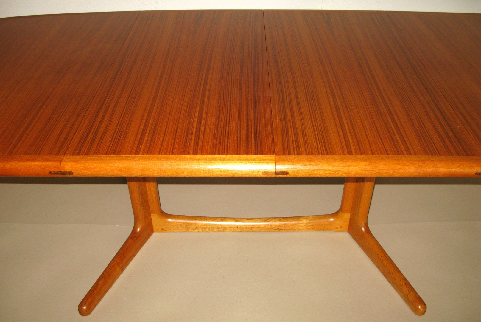Teak extension dining table in excellent condition very clean and - Edward Valentinsen Teak Dining Table