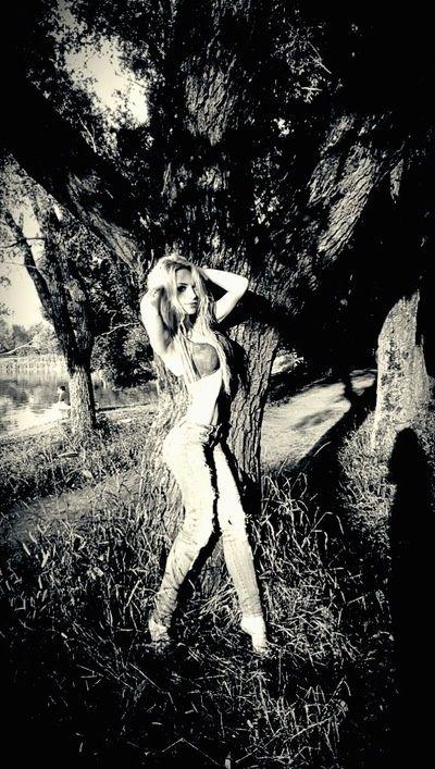Юлия, 22, Москва, ищу: Парня  от 25  до 35 http://loveplanet.ru/page/100653783/affiliate_id-90971  Цель знакомства: Романтические отношения  Ищу: молодого человека