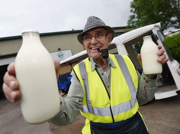 Britain's oldest milkman reveals has been delivering milk for almost 75 years! #olderpeople #inspiringpeople #inspiration #ageing #gettingolder