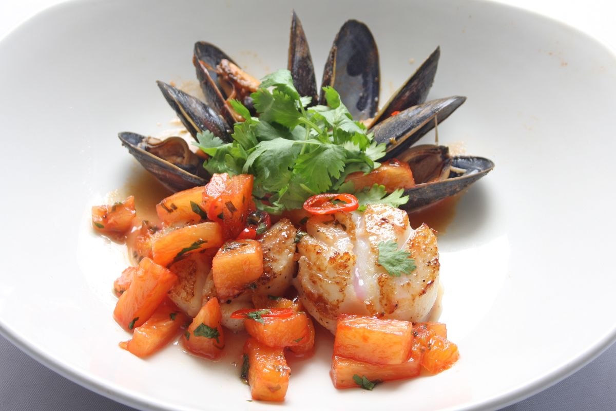 Fresh PEI mussels & diver scallops with a chili cilantro blood orange salsa