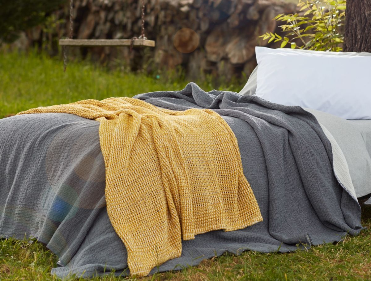 Soft Cozy And 100 Organic Our Cloud Brushed Flannel Creates A Comforting Cocoon For Cold Weather Slumber We Lay Organic Bed Sheets Organic Bedding Coyuchi