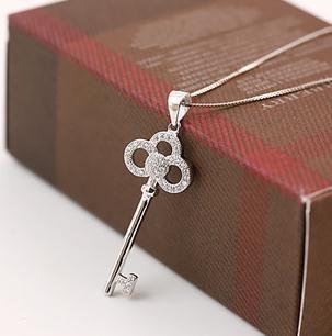 2017 vendita calda di modo di cristallo lucido chiave di design 925 sterling silver collane ladies'pendant gioielli regalo di compleanno