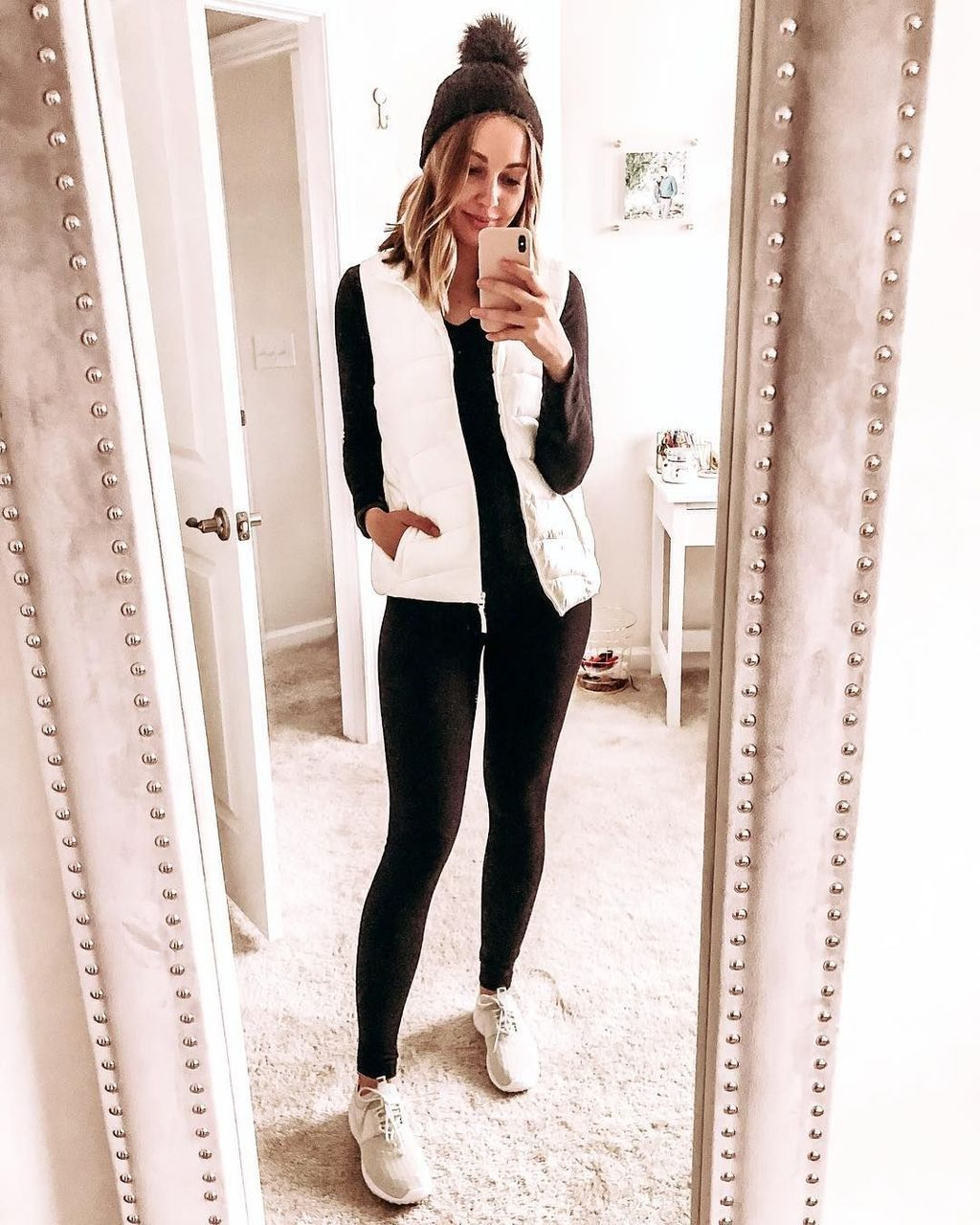 10+ Modern Black Leggings Outfit Ideas To Wear In College  White