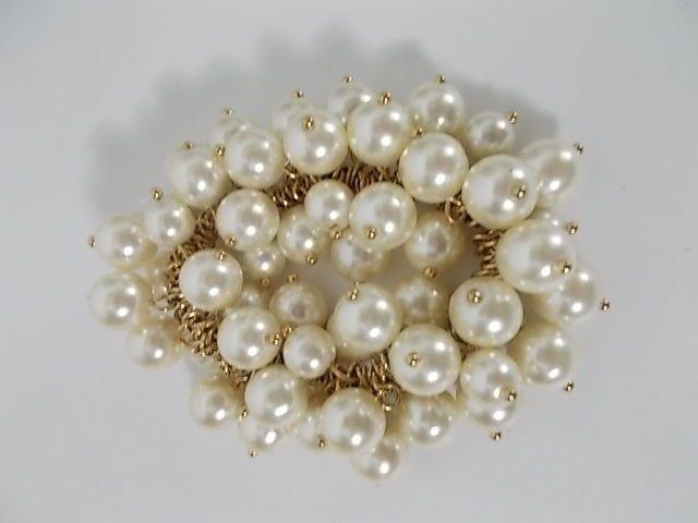 J.Crew Faux Pearl Cluster Bauble Glass Bad Gold Link Elastic Bracelet NWOT 29.50 #jcrew #balls