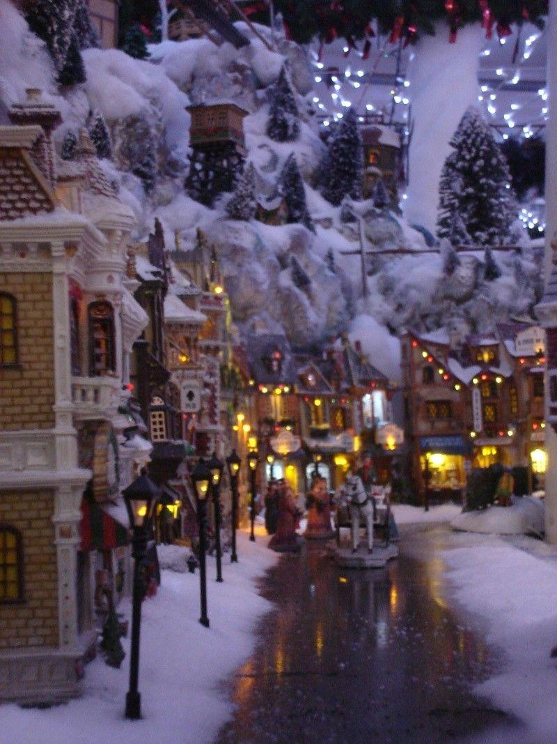 I like the wetness of the walkways something new to create displays pinterest walkways - Decor village noel miniature ...