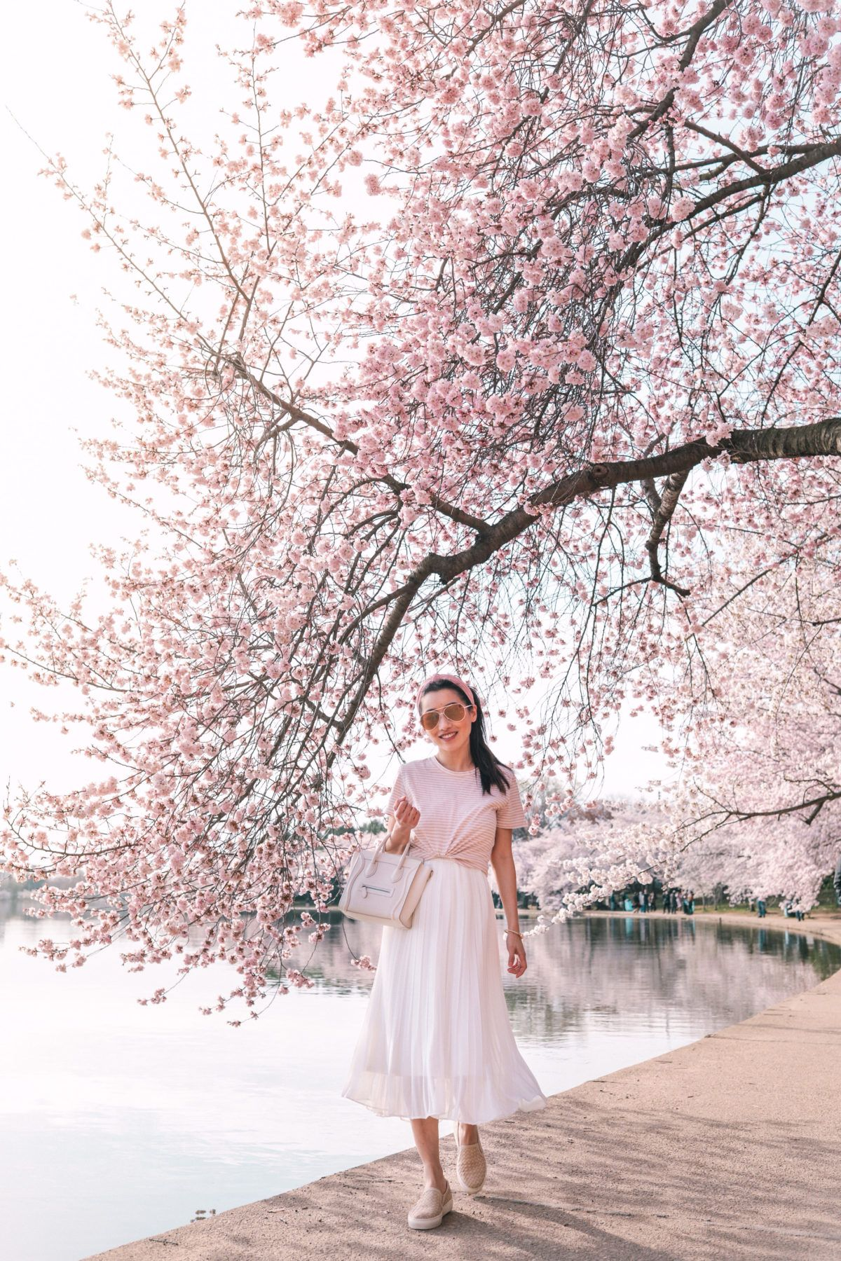 M Gemi Cerchio Leather Sneakers Outfit At Washington Dc Cherry Blossoms Cherry Blossom Outfit Stylish Travel Outfit Korean Spring Outfits