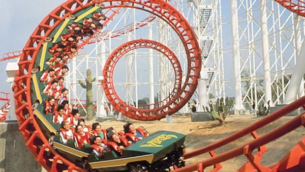 Viper (Six Flags Magic Mountain)   Roller Coasters ...
