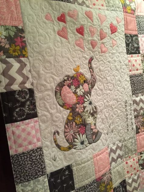 Adorable Baby Quilt Quilts Pinterest Babies Patchwork And Kid