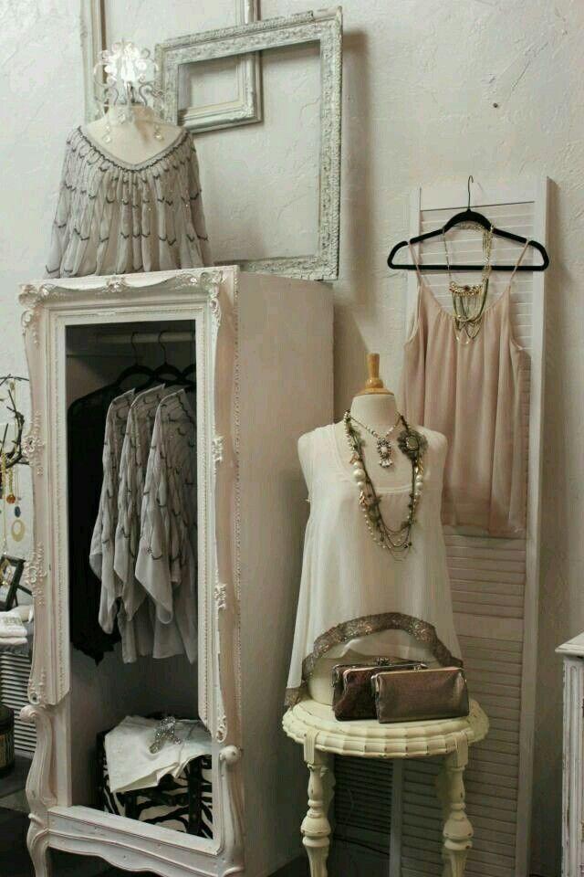 Pin von nicole krambeck auf boutique pinterest gardarobe einrichtung und ladeneinrichtung - Kleiderschrank inneneinrichtung ...