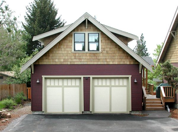 Love This Detached Garage: Garage Design: Love This Craftsman Garage, Excellent Color