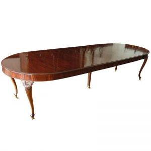 10 Northern European Mahogany Dining Table With 3 Leaves C 1850 With Images Extension Dining Table Mahogany Dining Table Antique Dining Tables