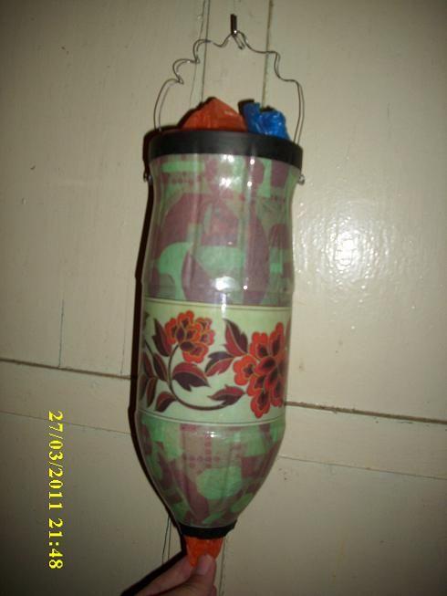 Dispensador de bolsas de plastico reciclado buscar con - Guardar bolsas plastico ...