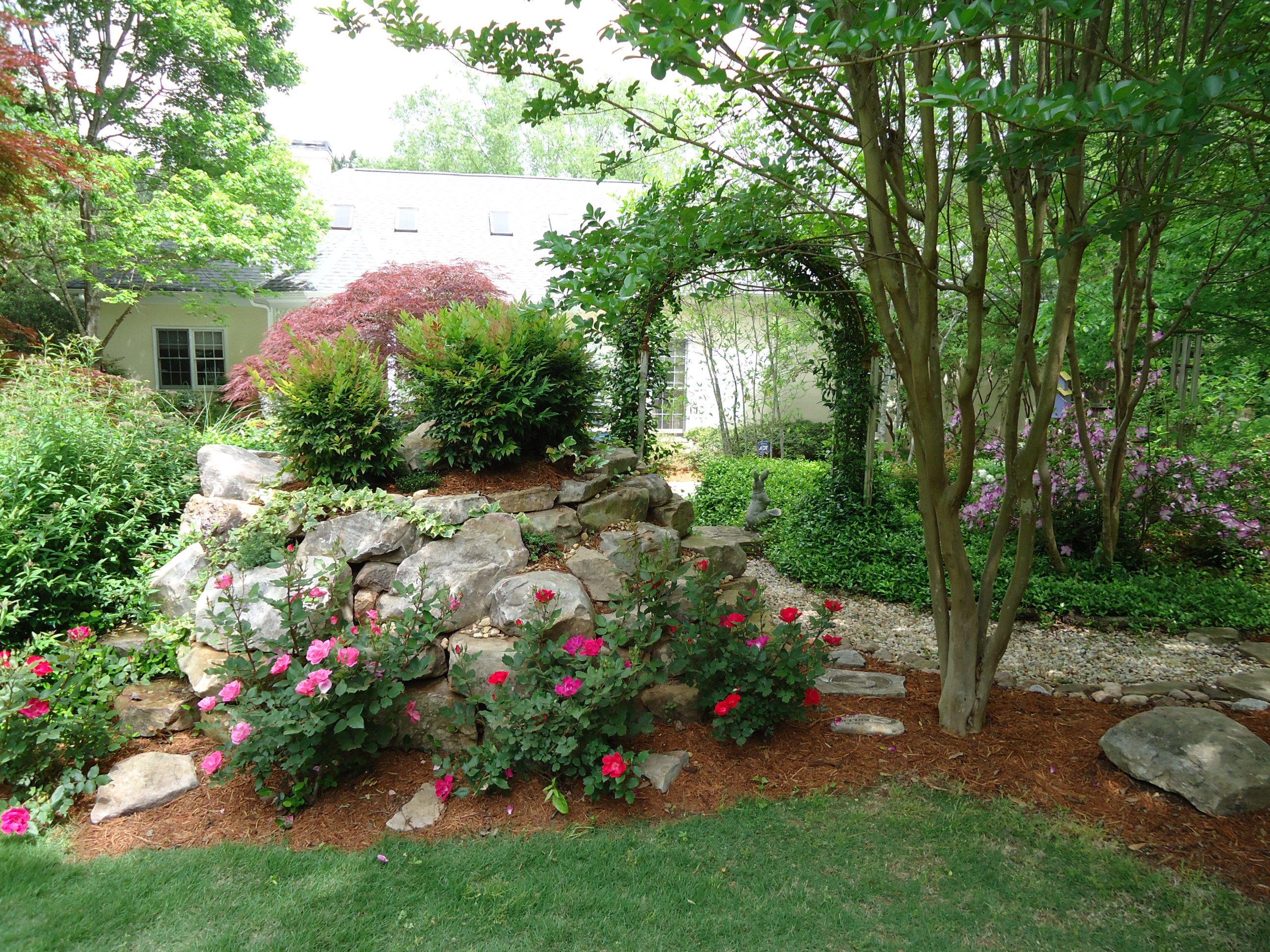 Spring rock garden Rock garden, Garden art, Garden ideas