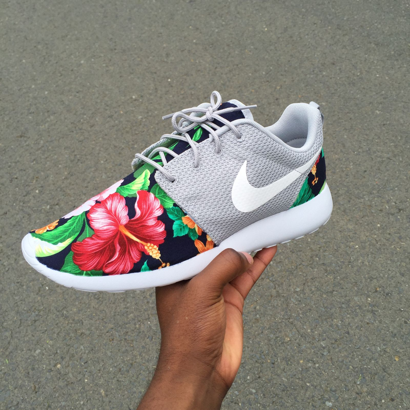 85c57d7b59b1a Custom Nike Roshe One Aloha   Customs x Cario