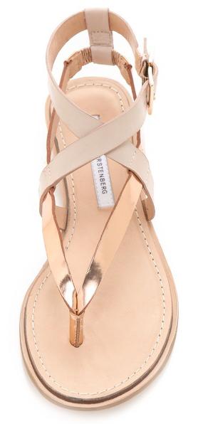 Sandalias de cuero de las mujeres