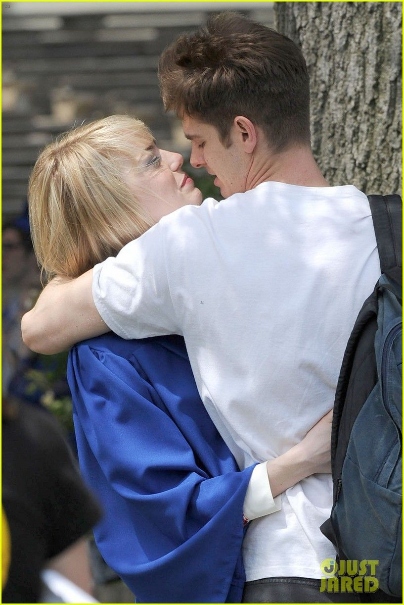Emma Stone Andrew Garfield Spider Man Break Kisses Emma Stone