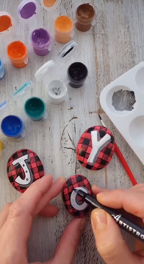 Rock painting tutorial #creativegifts
