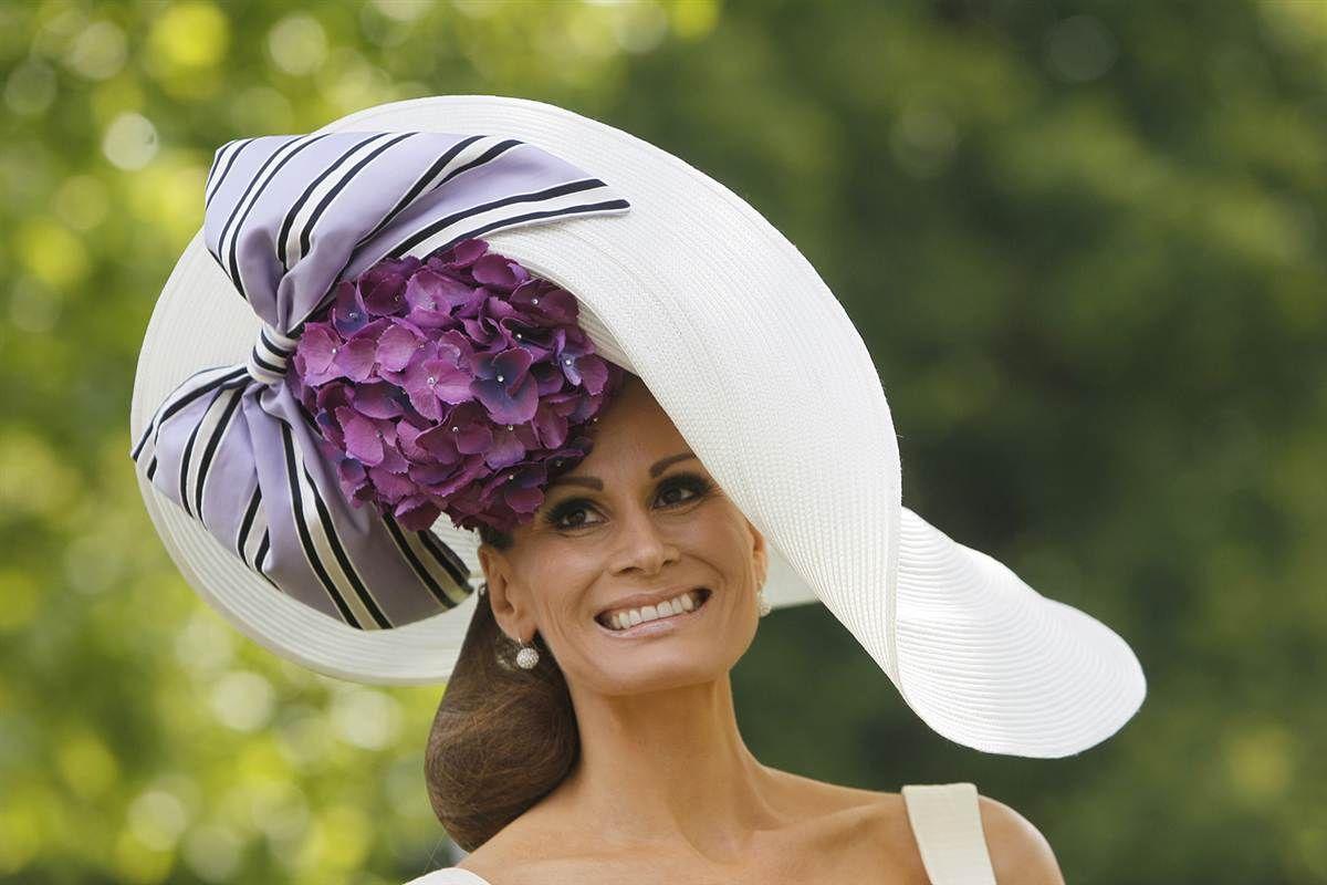 Creative and Weird Hats for Females  a6d1da6e71