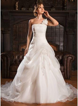 Peinado novia vestido volantes