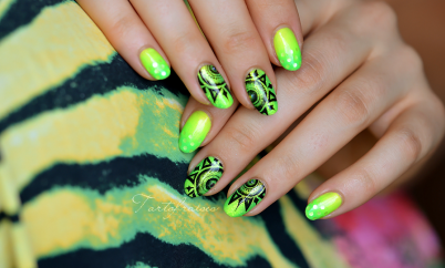 Nail art soleil jaune et vert fluo Ongles De Vacances, Ongles Jaunes, Ongle  Deco