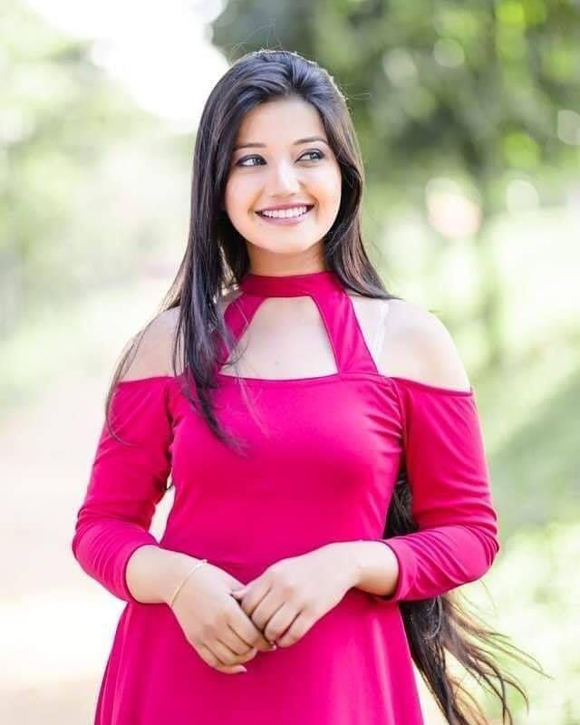 Pin on BEAUTIFUL GIRLS SRI LANKA
