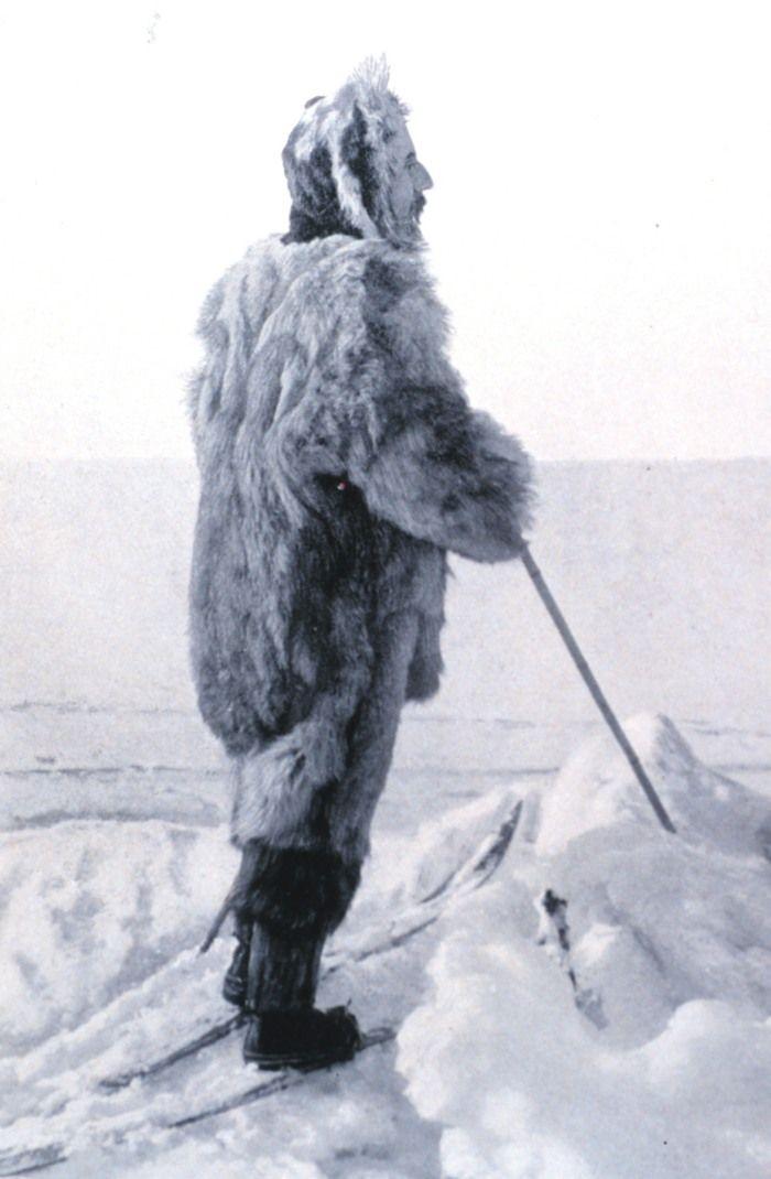 Amundsen, covered in wolf.