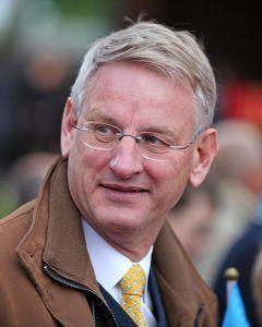 Carl Bildt: dodržať sankcie, kým Moskva nezmení správanie /rozhovor/