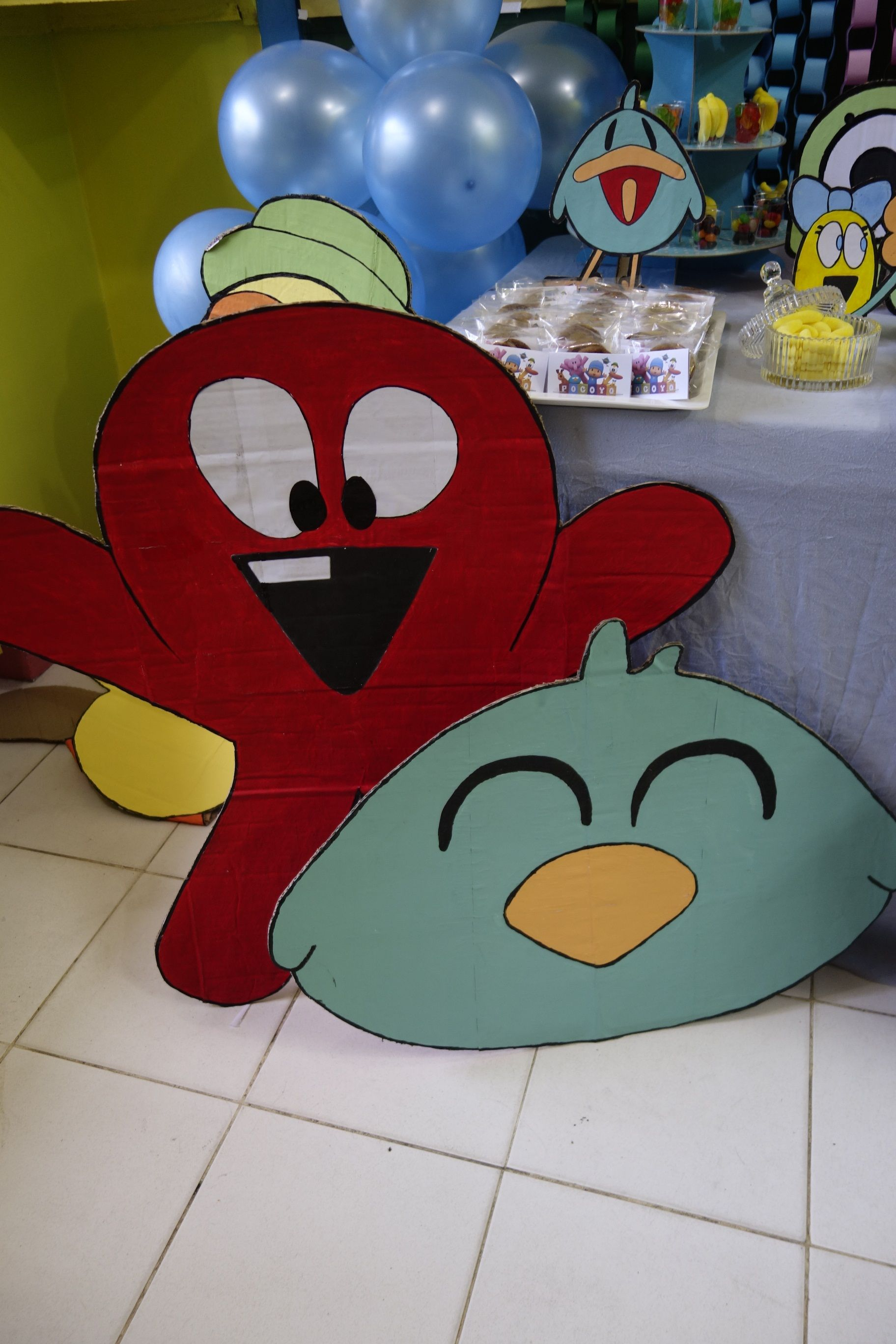 Octopus and Sleepy Bird (with Pato that I can't make stand up)... hahahaha