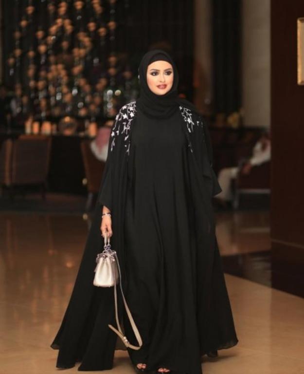 موديلات عبايات من انستقرام لاناقتك هذا الموسم مجلة سيدتي Abaya Fashion Hijabi Girl Fashion