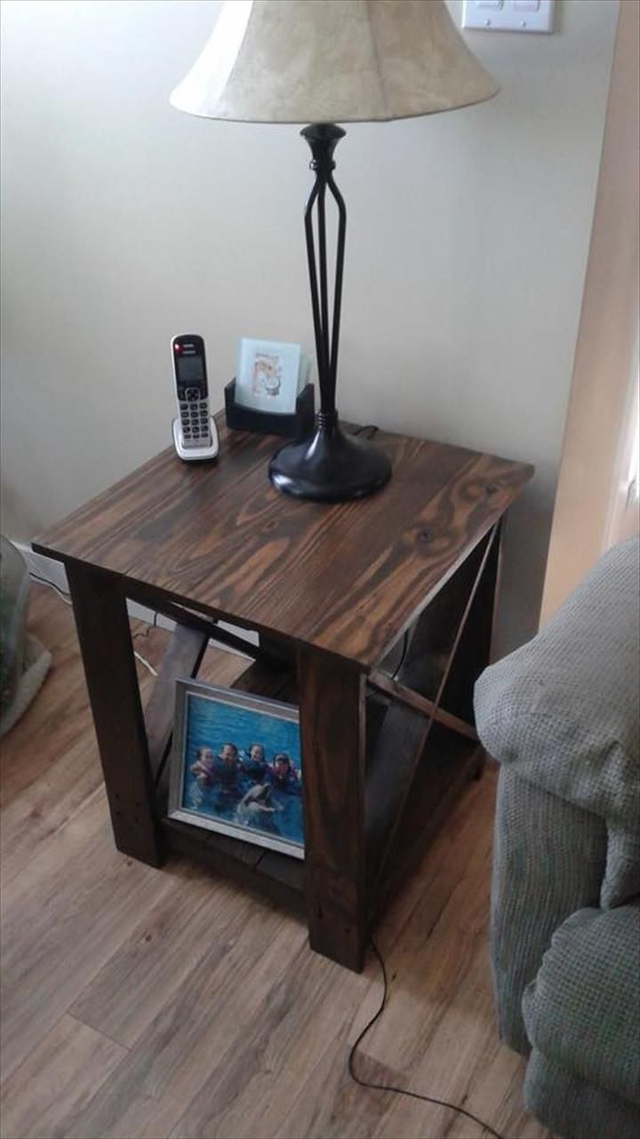 How to make a sofa table out of floor boards - Pallet Side Table Jpg 720 1280 Palette Board Fun Rustic And Reclaimed Pinterest Pallet Furniture Wooden Pallets And Furniture Ideas