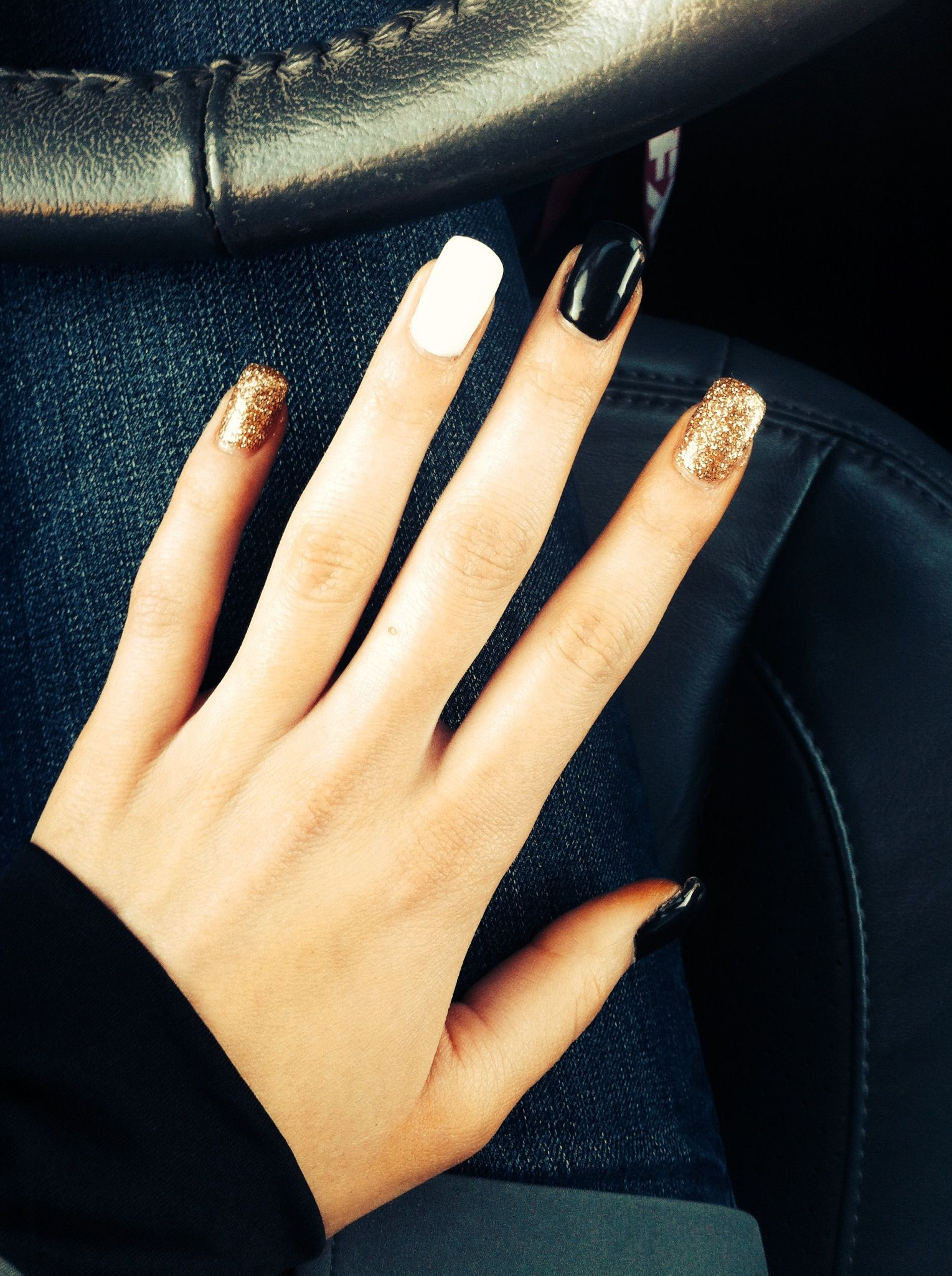 Black White Gold Nails With Images Gold Nails Black Nails