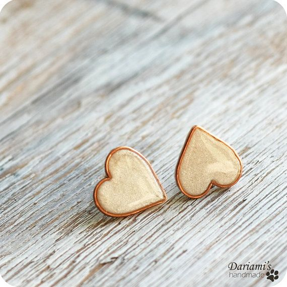 Post earrings - Pearly White Hearts.