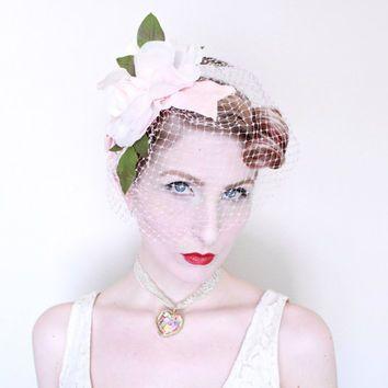 1950s Fascinator / VINTAGE / Birdcage Veil / Blusher Veil / Pastel Pink / Pink Roses / Velvet Ribbon