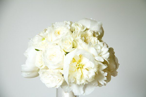 Cream Garden Rose and Peony Bouquet by http://livingfresh.ca