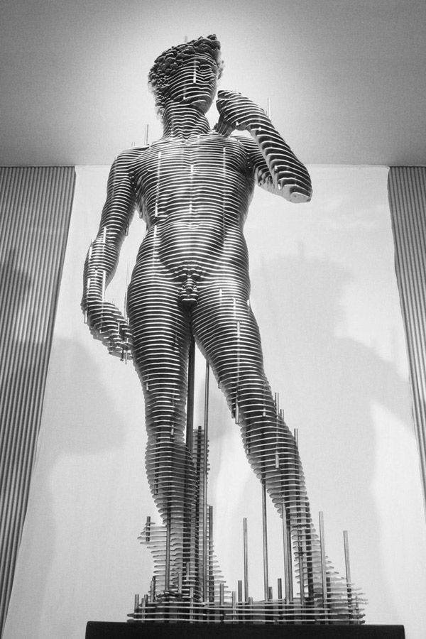 Stahl-Skulpturen von Park Chan-Girl (Steel Sculptures, 8 Bilder) > Design und so, Installationen, Sculptures > arts, artworks, korea, nut, sculpture, steel
