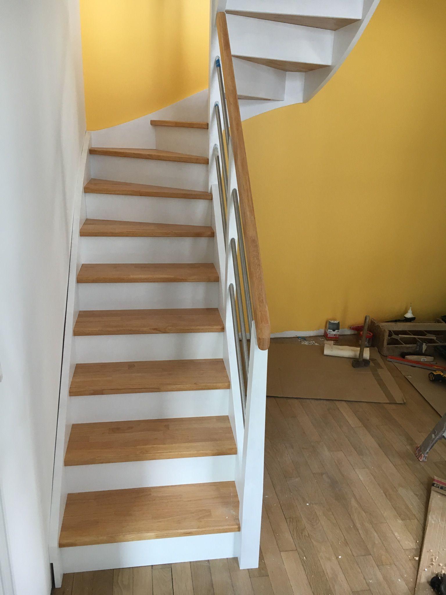 Escalier Deco Peint En Blanc Marches Et Rambarde En Bois Vernis