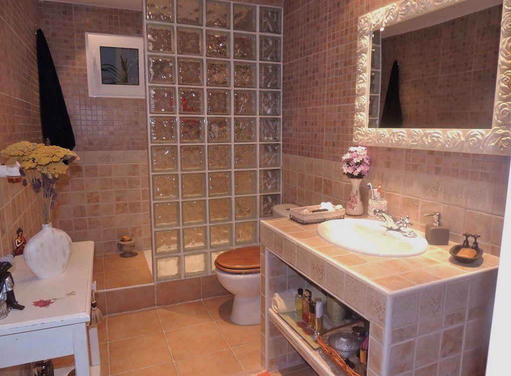 Duchas de obra modernas buscar con google ba os bathroom bathroom cabinets y upstairs - Cuartos de bano modernos con ducha ...