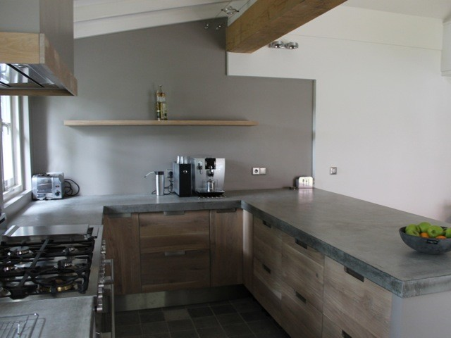 Koak design keuken met betonnen aanrecht blad ikea kastjes en