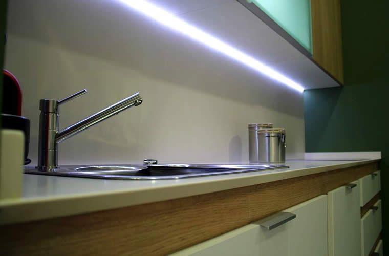 Cocina con LED   25 ideas para iluminar tu cocina con LED ...