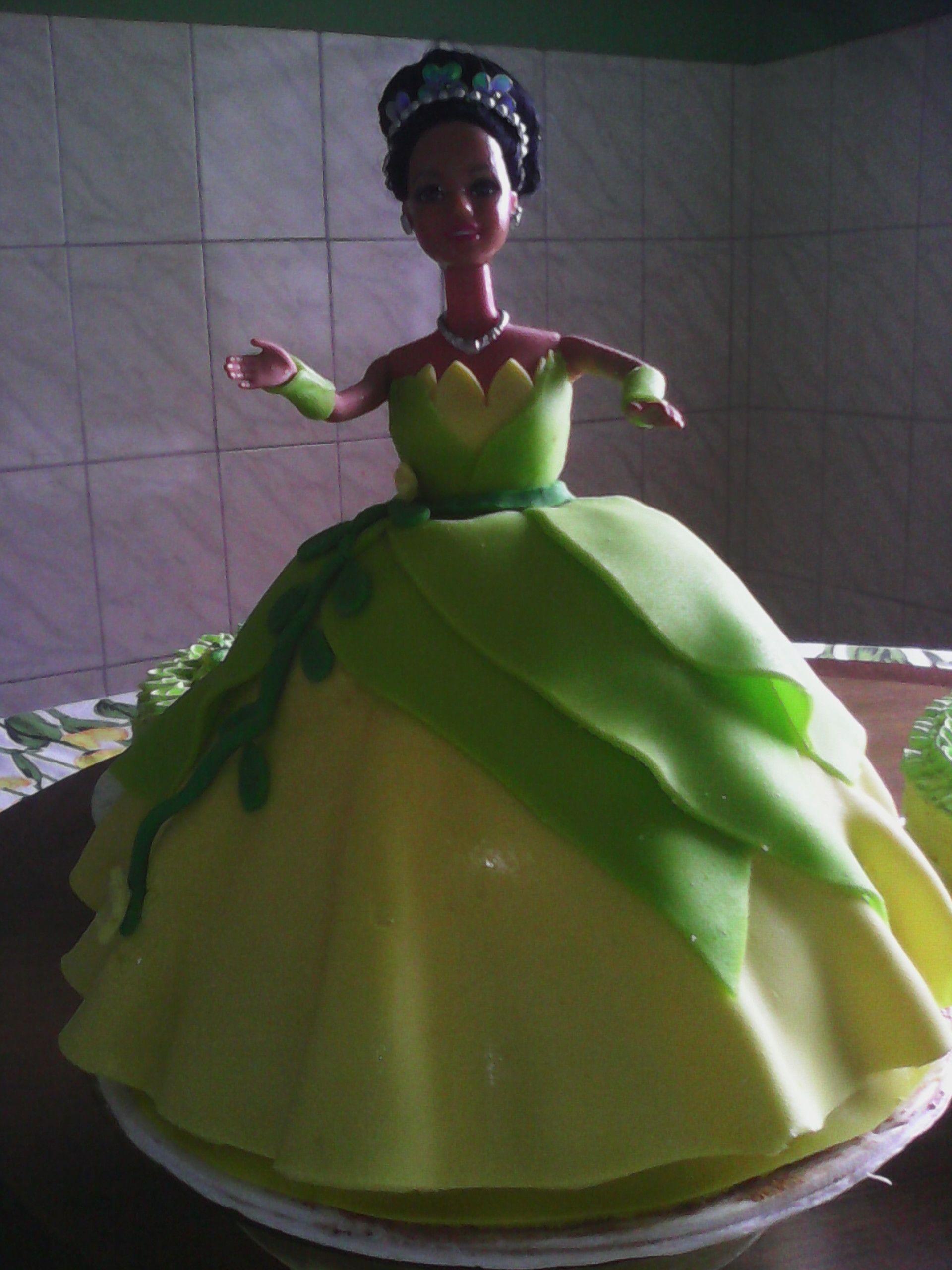 Bolo Boneca Tiana Da Princesa E O Sapo Com Imagens A Princesa