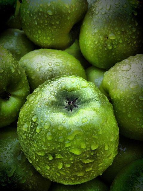 **granny smiths apple    http://calgary.isgreen.ca/