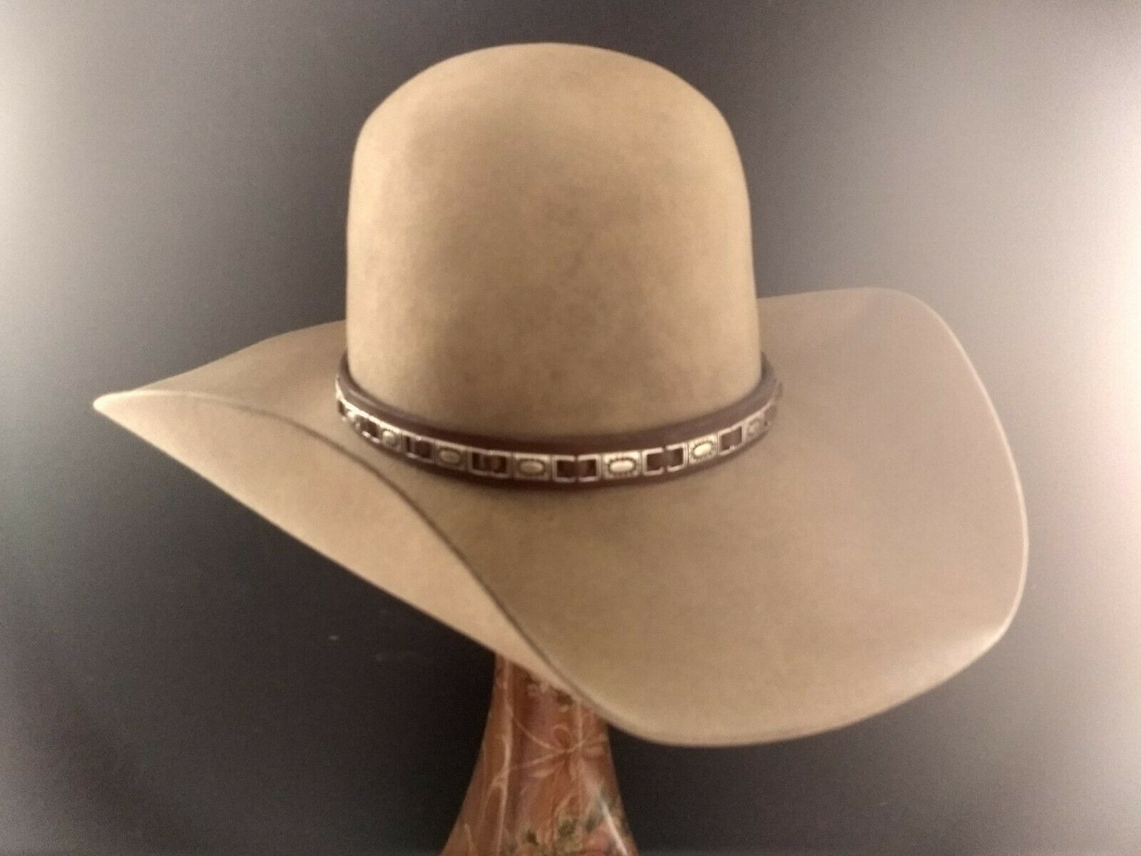 5c7bc918 BAILEY COWBOY STYLE Round Top Hat. Size 7 1/8. 100% PURE BEAVER. Used.