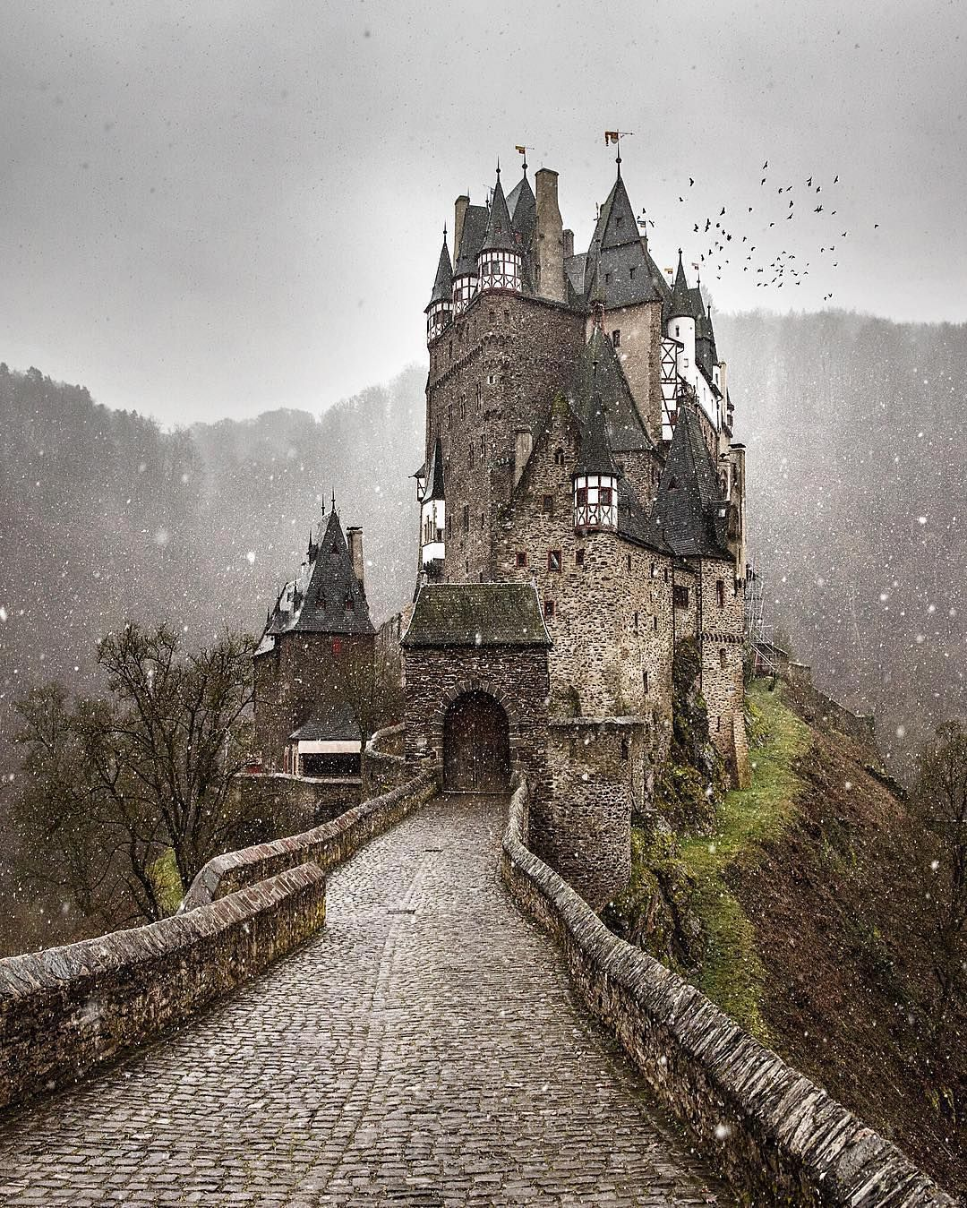 Must Be A Reason Why I M King Of My Castle Eltz Castle In Germany