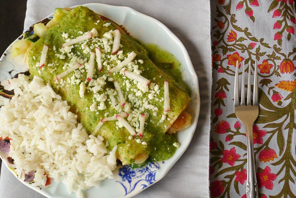 Green Enchiladas Stuffed With Shrimp Veggies Hatch Recipe 2 Green Chili Recipes Chile Recipes Green Chile Recipes