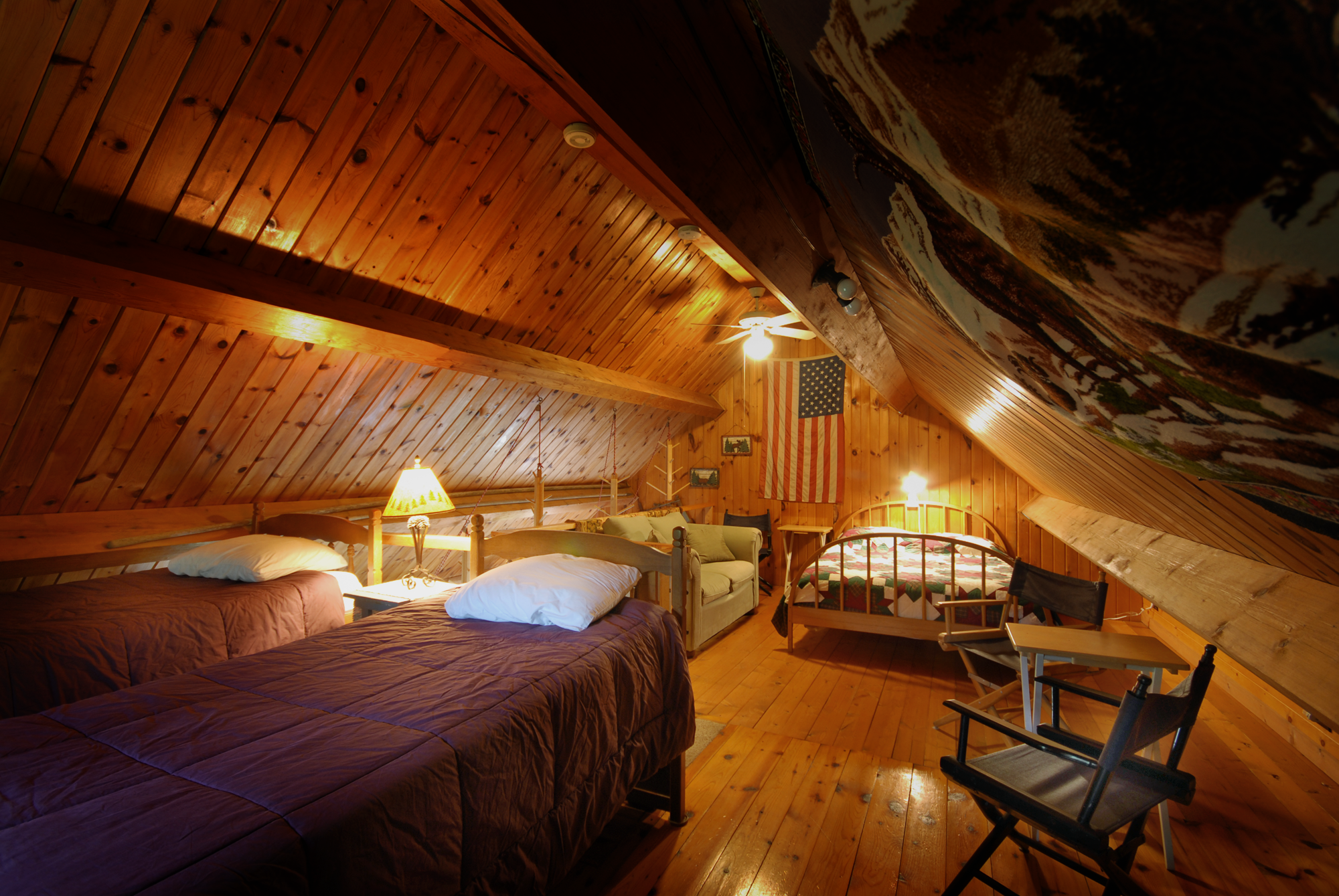 Lopstick Riveredge Loft Bedroompng (2000 1339)