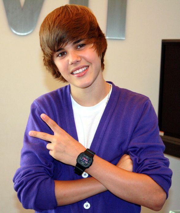 Cabelo colado na cara não é lá uma das ideias mais legais que o Justin Bieber já teve...