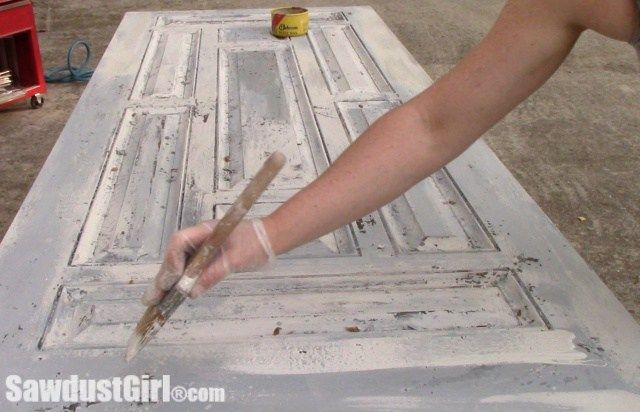 Chippy Paint Technique On Studio Barn Door Milk Paint Furniture Painting Techniques Sawdust Girl